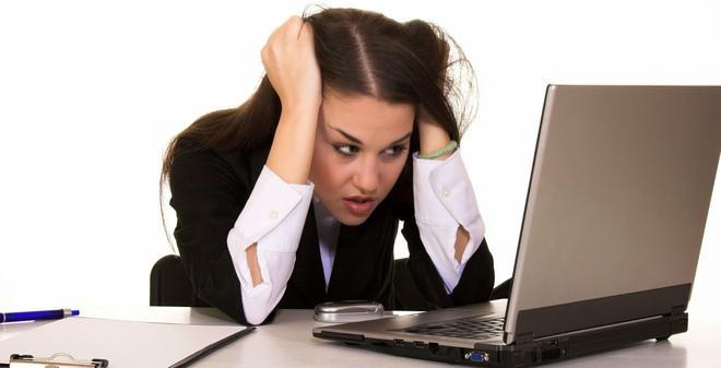 Sử dụng máy tính, điện thoại nhiều giờ là thói quen gây hại cho sức khỏe