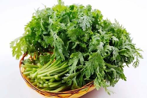 Bí quyết giúp hạ huyết áp từ rau cải cúc