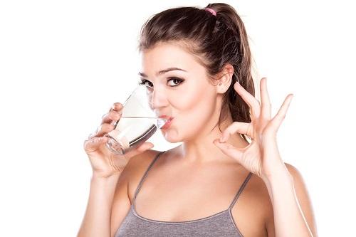 Bổ sung đủ nước mỗi ngày là cách để sống khỏe