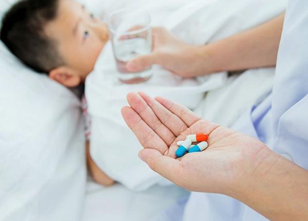 Bạn nên tránh lạm dụng quá mức kháng sinh để trị bệnh