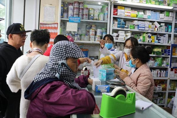Nhà thuốc sẽ bị tước giấy phép hoạt động nếu tăng giá bán khẩu trang