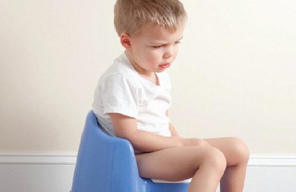 Trẻ uống kháng sinh bị tiêu chảy phải làm sao?