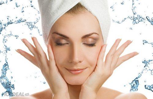 Rửa mặt sạch sẽ cũng là biện pháp ngăn ngừa mụn hiệu quả